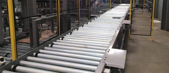 Palletizing system at the end of the packaging line