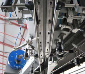 Line Union and Diverter in en air conveyor for PET bottles | Traktech SL